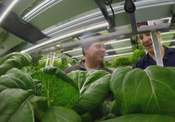 New technology gets fresh food to remote Canadian communities | The Fix